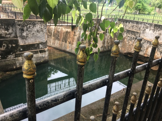 nilavarai bottomless well
